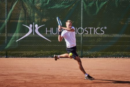 Tennis player Holger Rune sponsored by Humanostics